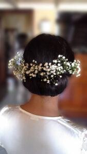 acconciatura sposa raccolto basso con fiori hair stylist tina fiorito la maison de la beaute napoli